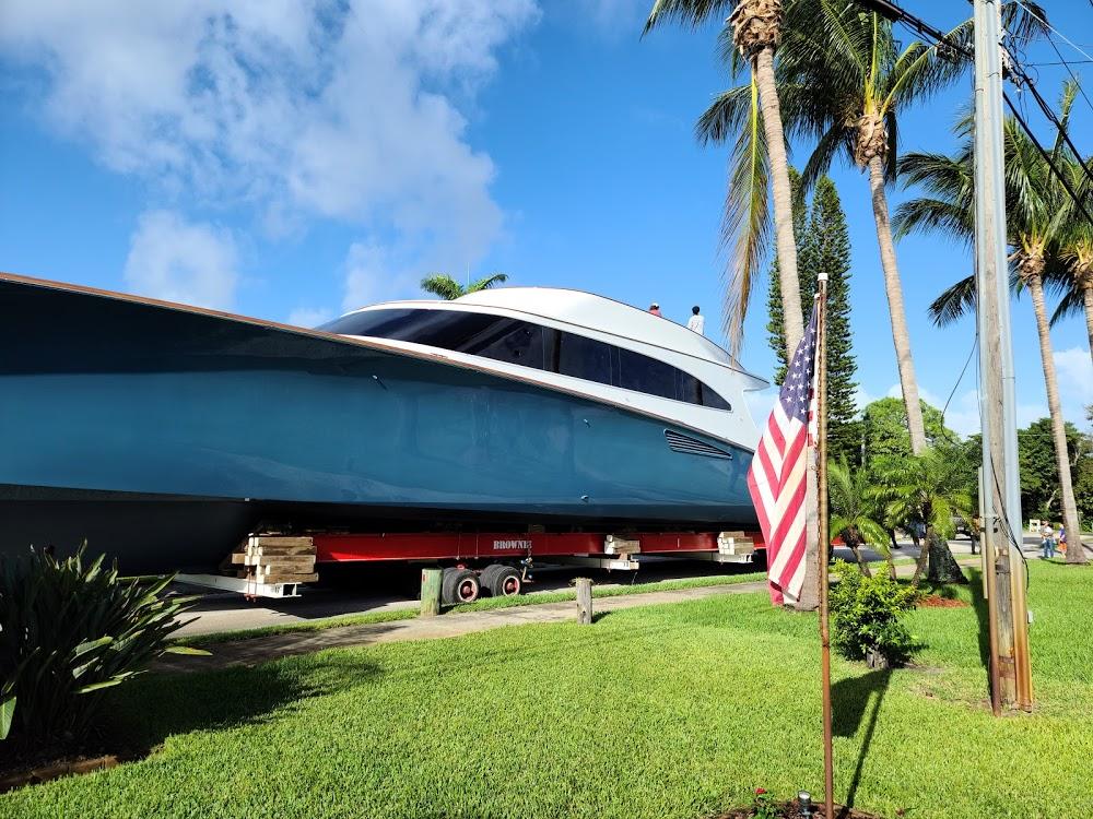 Hinckley Yacht